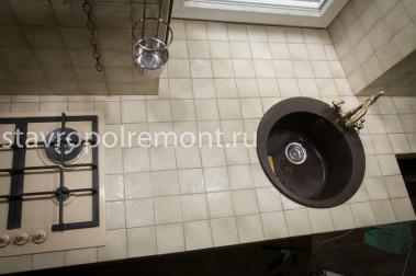 Столешница отделка керамической плиткой фото Столешницы для ванны искуственный камень Торгашино